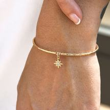 A GLOW AT NOON ❥ With Lily bangle 🥰🙈 .⠀⠀⠀⠀⠀⠀⠀⠀⠀⠀ .⠀⠀⠀⠀⠀⠀⠀⠀⠀⠀ .⠀⠀⠀⠀⠀⠀⠀⠀⠀⠀ .⠀⠀⠀⠀⠀⠀⠀⠀⠀⠀ .⠀⠀⠀⠀⠀⠀⠀⠀⠀⠀   #NilaiParis #Bijouxlovers #Mixandmatch #Summervibes #Summerjewelry